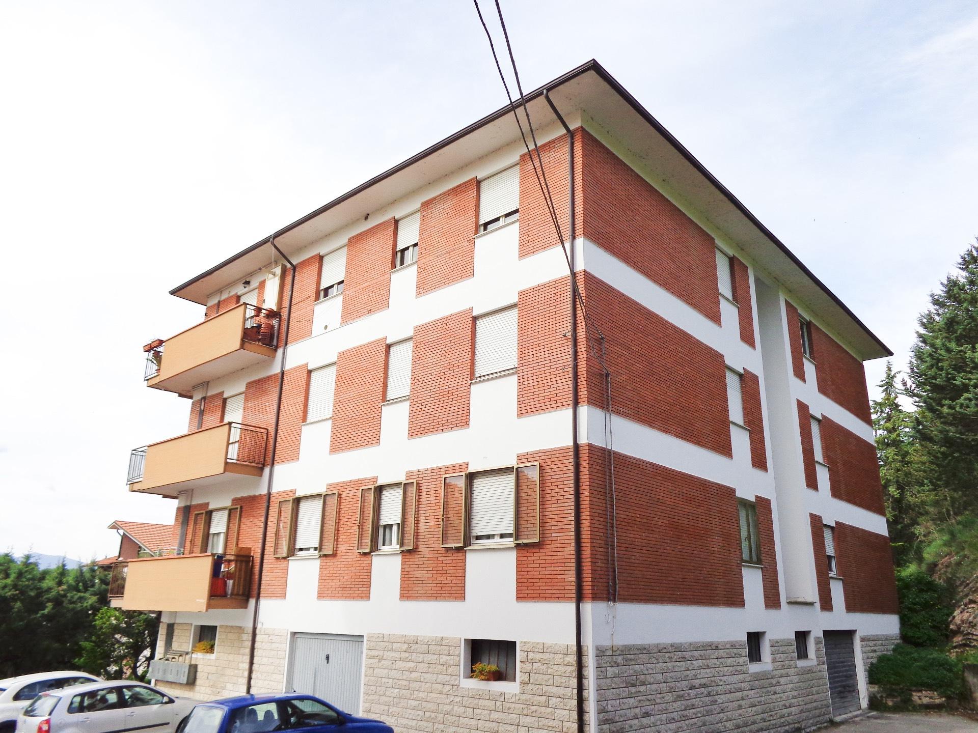 Appartamento in vendita a Sassoferrato, 7 locali, prezzo € 79.000   CambioCasa.it