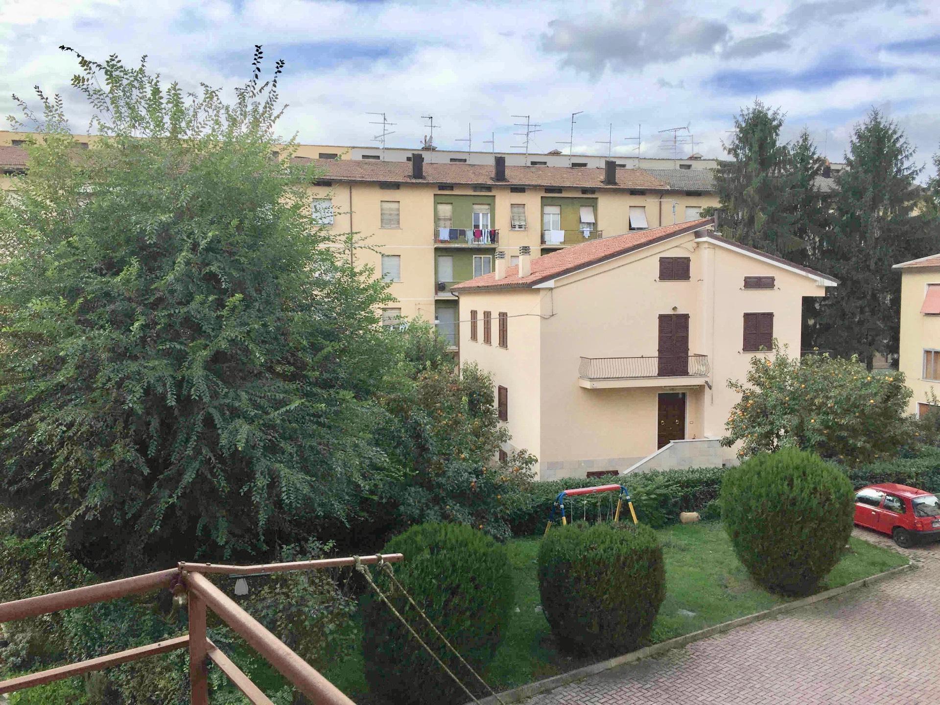 Appartamento in vendita a Fabriano, 6 locali, zona Località: SEMIPERIFERIA, prezzo € 80.000 | CambioCasa.it