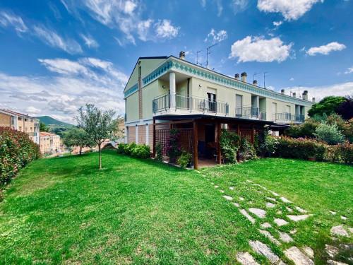 Villa a schiera in Vendita a Fabriano