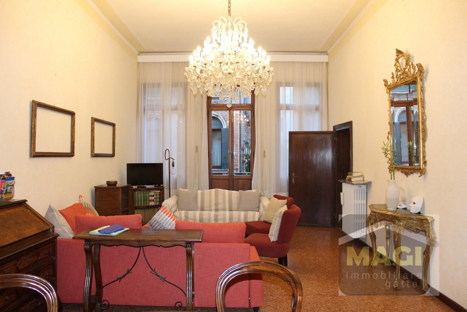 vendita appartamento venezia san polo  950000 euro  7 locali  180 mq