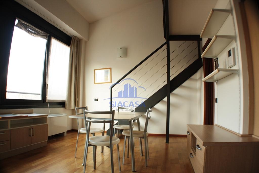 Bilocale Milano Via Enrico Caviglia 8