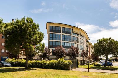 Uffici in Vendita a Pessano con Bornago