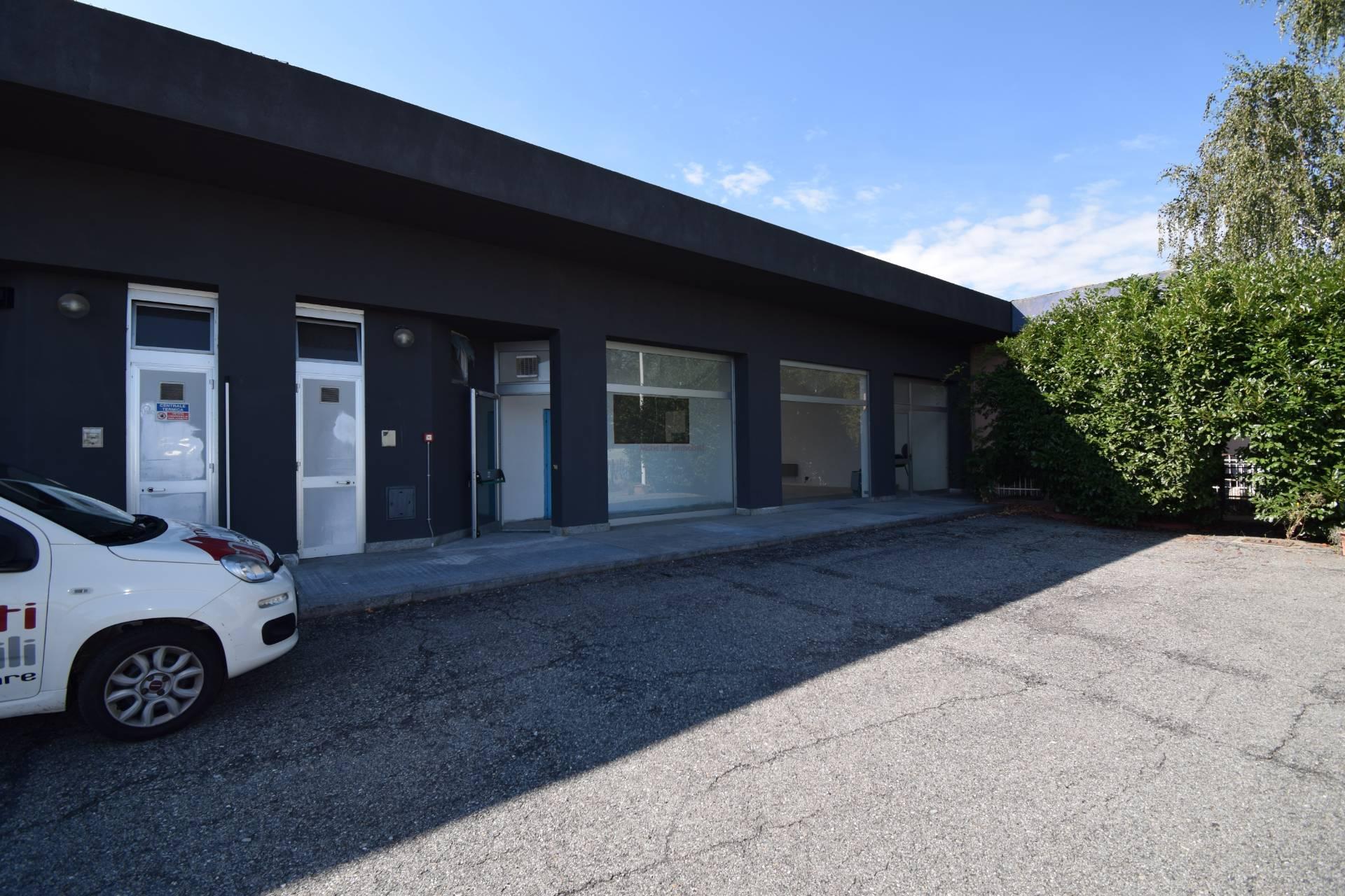 Negozio / Locale in affitto a Pinerolo, 9999 locali, prezzo € 950 | PortaleAgenzieImmobiliari.it