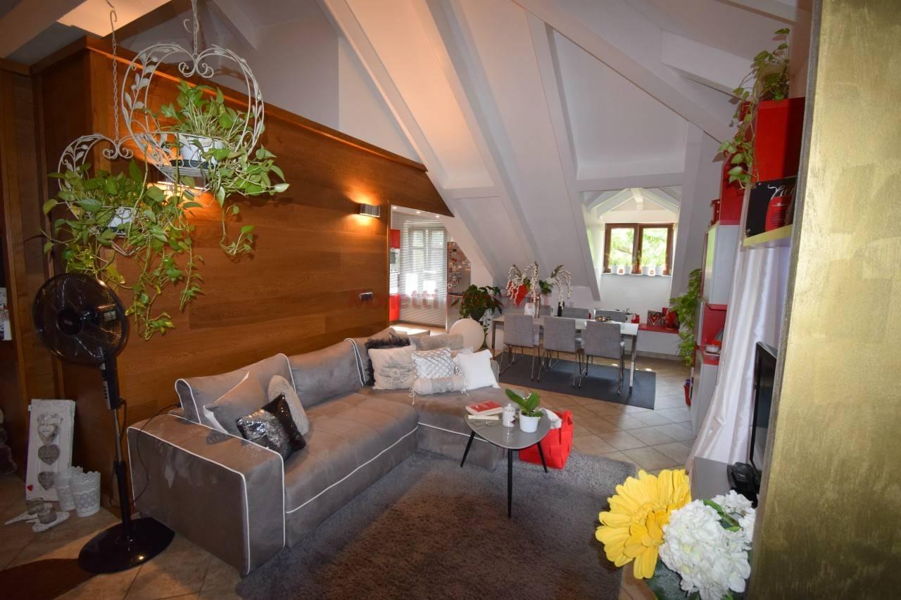 Attico / Mansarda in affitto a Pinerolo, 2 locali, prezzo € 500 | PortaleAgenzieImmobiliari.it