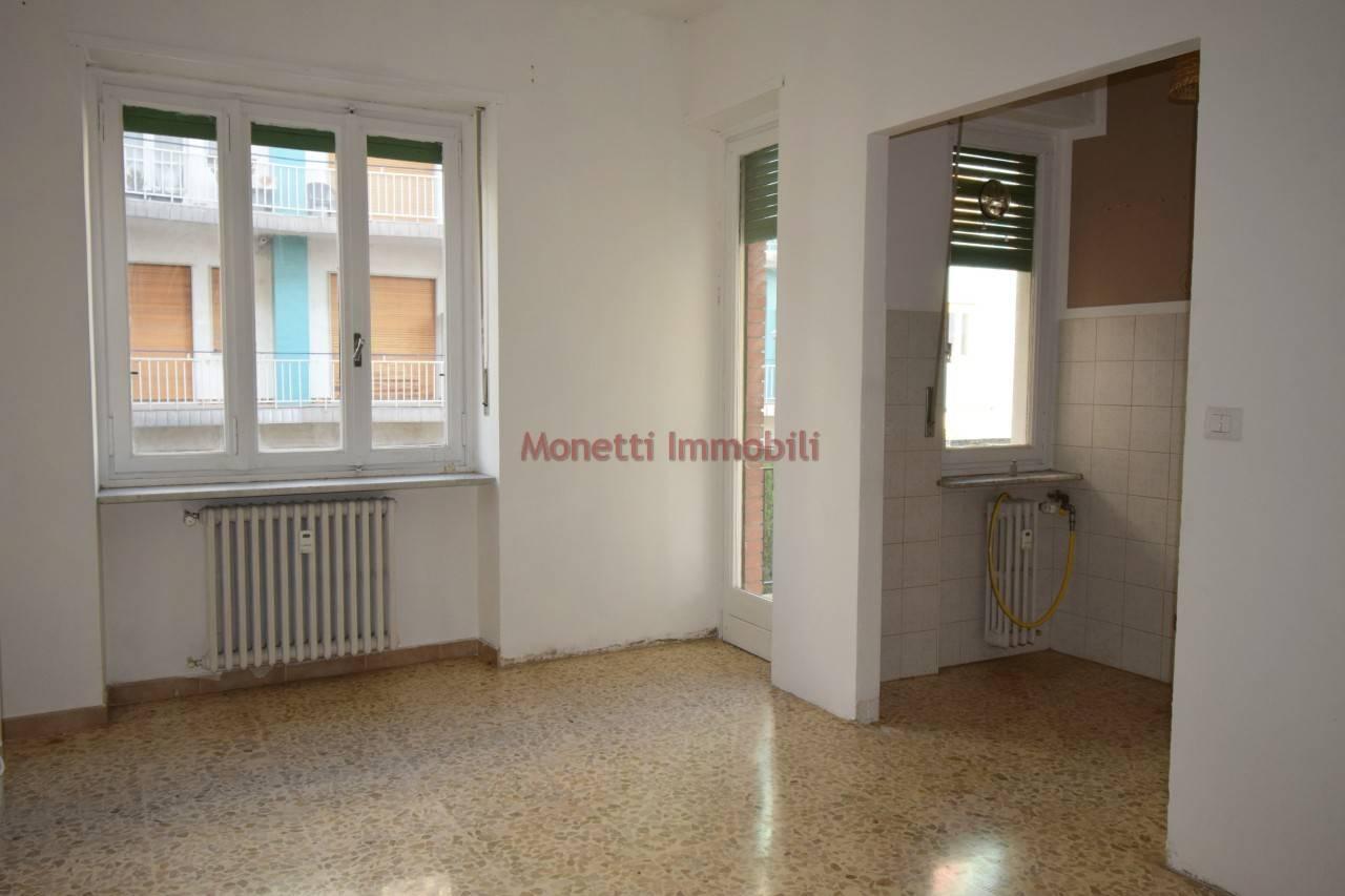 Appartamento in affitto a Pinerolo, 2 locali, prezzo € 300 | PortaleAgenzieImmobiliari.it