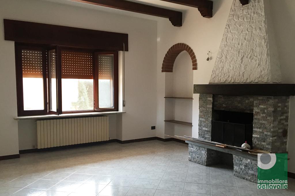 Soluzione Semindipendente in affitto a Mezzomerico, 4 locali, prezzo € 500 | Cambio Casa.it