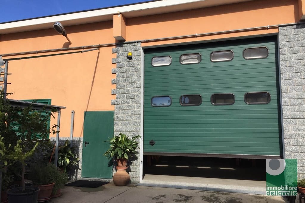 Capannone in vendita a Oleggio, 9999 locali, prezzo € 230.000 | CambioCasa.it