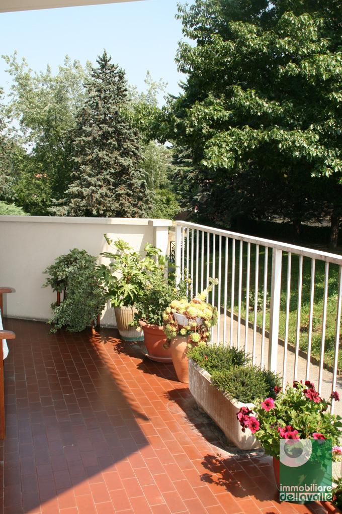 Appartamento in vendita a Oleggio, 4 locali, zona Località: vicinanzecentro, prezzo € 90.000 | Cambio Casa.it