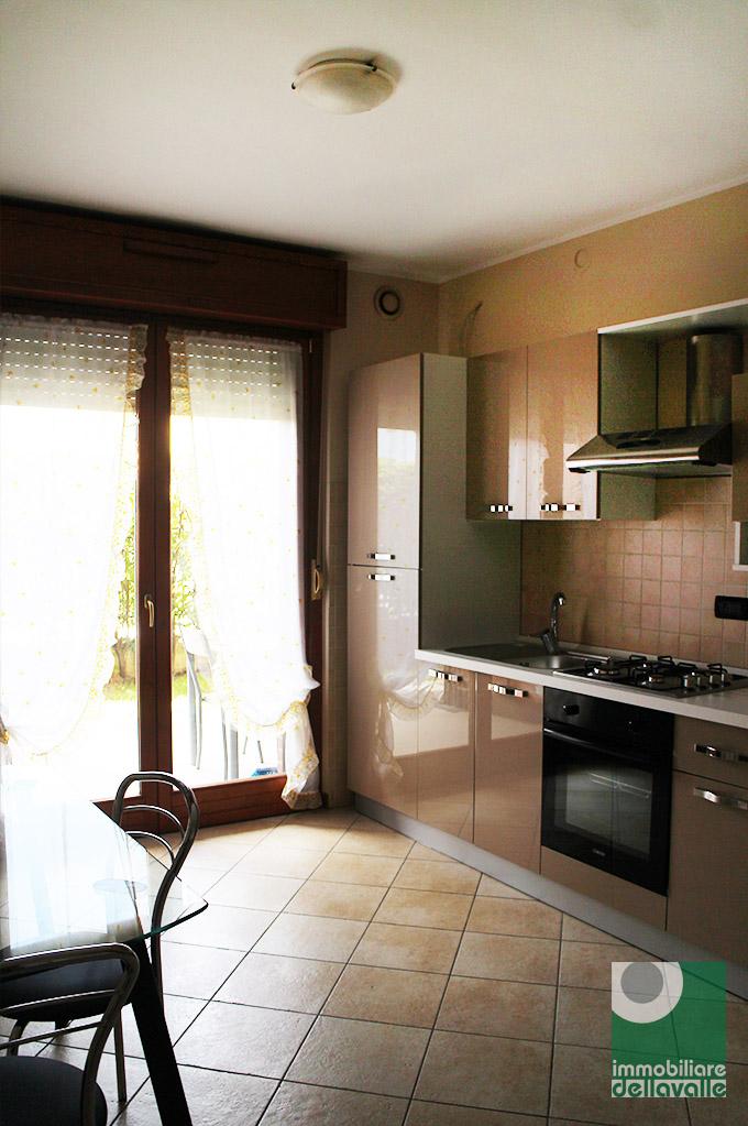 Appartamento in vendita a Oleggio, 2 locali, prezzo € 78.000 | CambioCasa.it