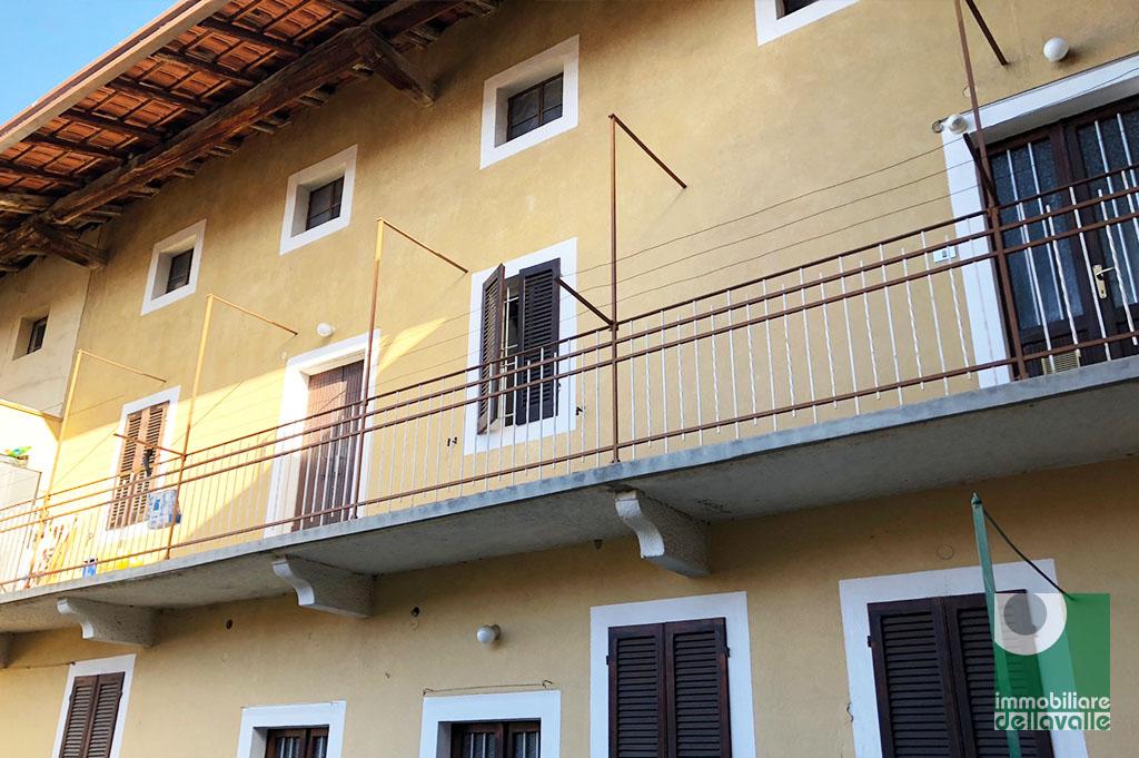 Appartamento in vendita a Marano Ticino, 6 locali, prezzo € 70.000 | CambioCasa.it