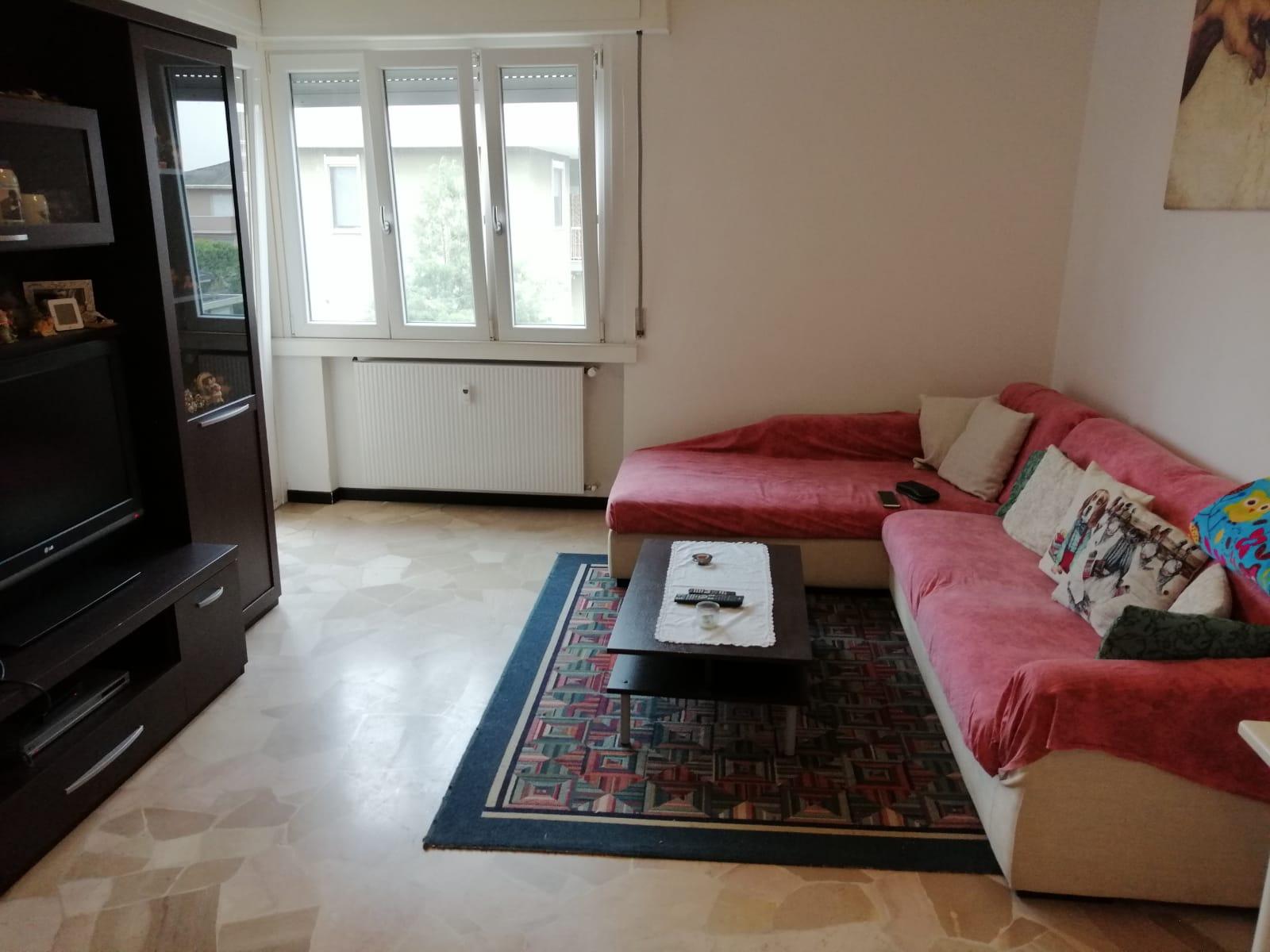 Appartamento in vendita a Galliate, 3 locali, prezzo € 75.000 | CambioCasa.it