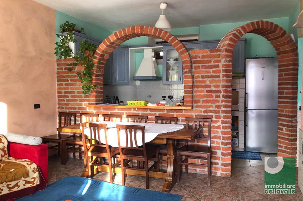Appartamento in vendita a Mezzomerico, 3 locali, prezzo € 65.000 | CambioCasa.it