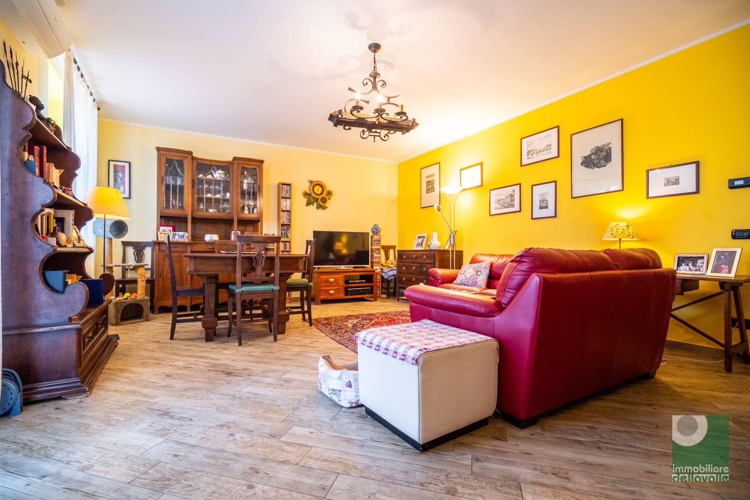 Appartamento in vendita a Oleggio, 3 locali, prezzo € 165.000 | CambioCasa.it
