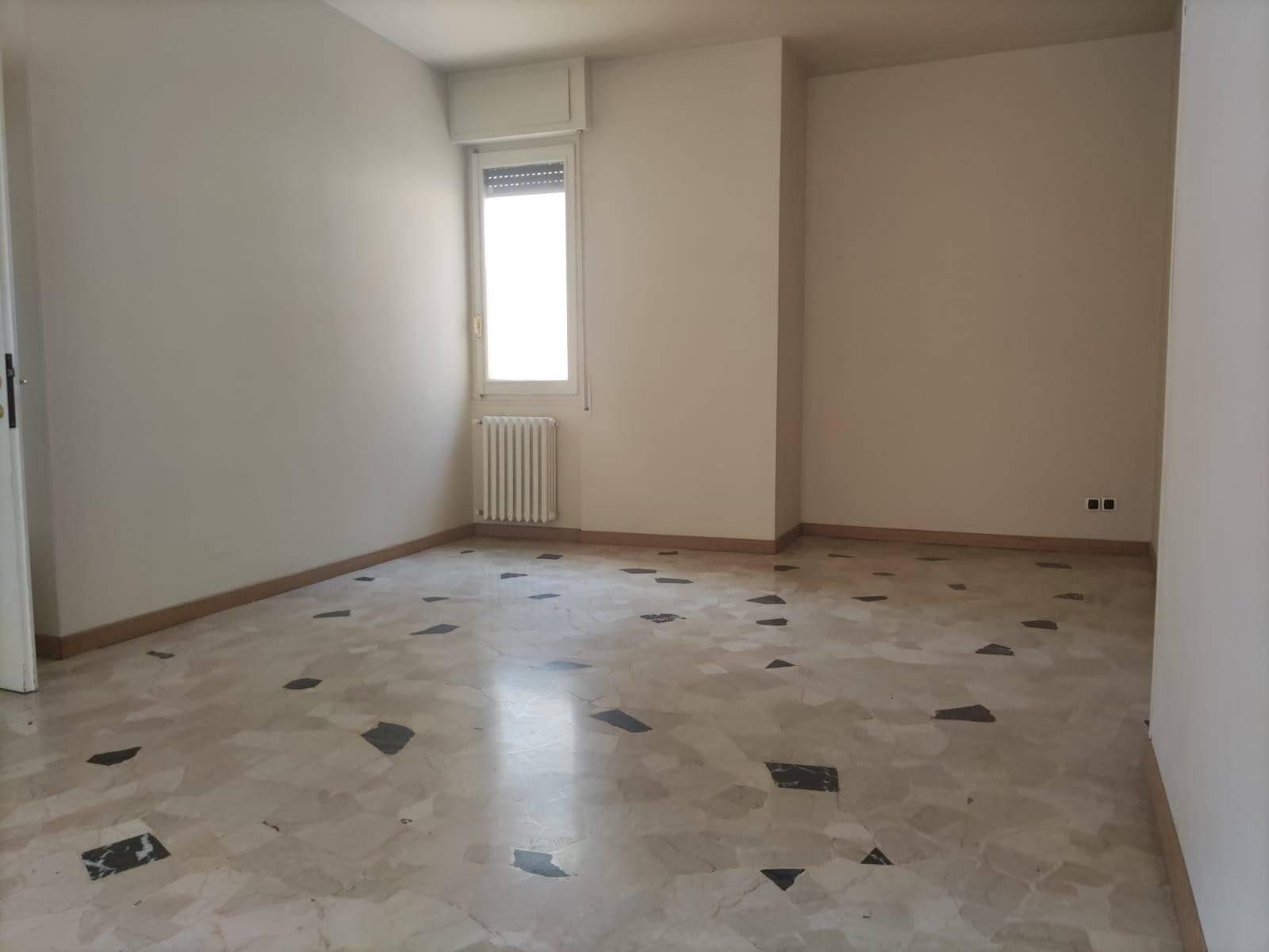 Appartamento in affitto a Oleggio, 3 locali, prezzo € 500 | CambioCasa.it