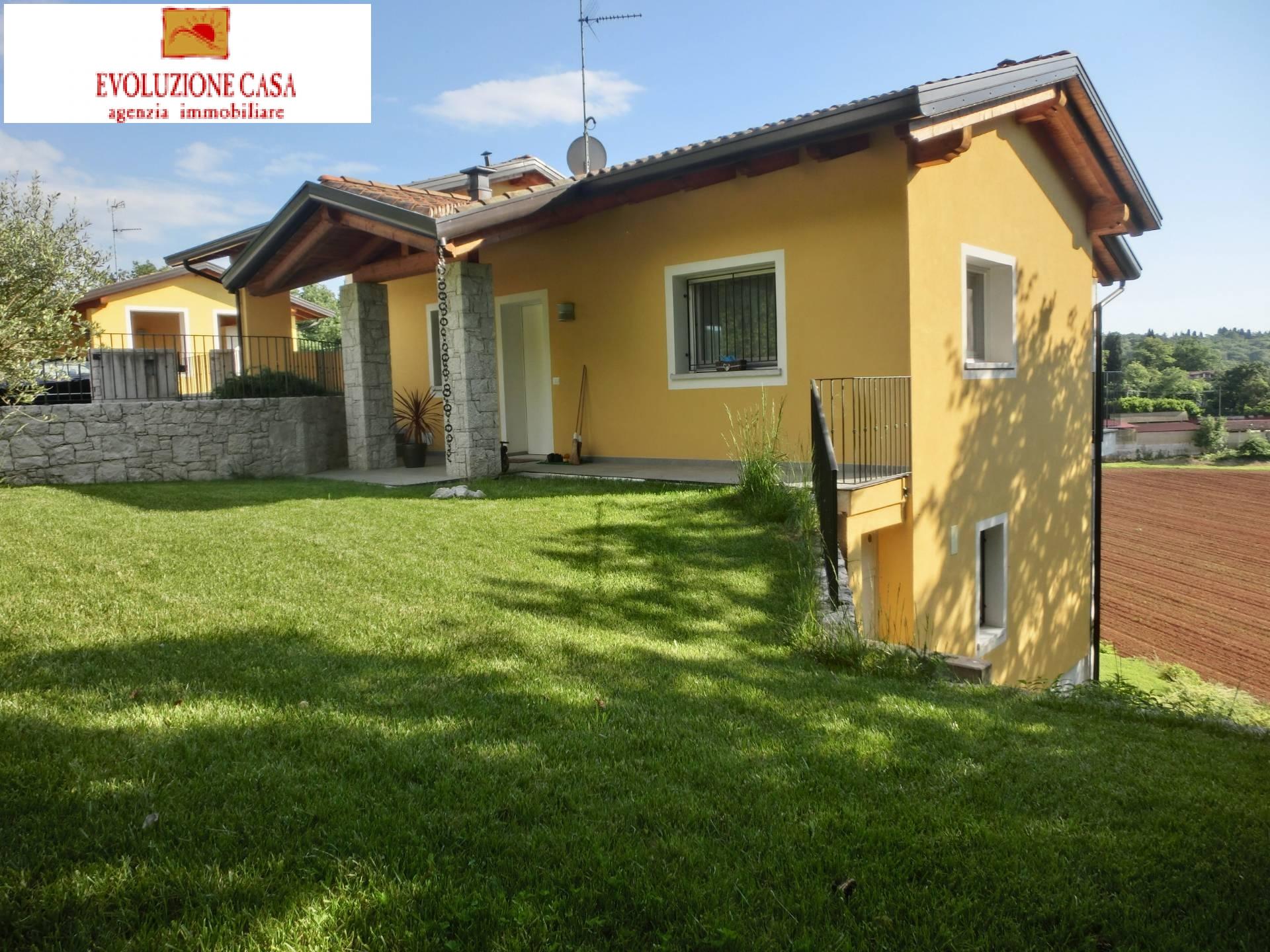 Casa singola in affitto a sagrado cod 855 a for Affitto cabina cape cod