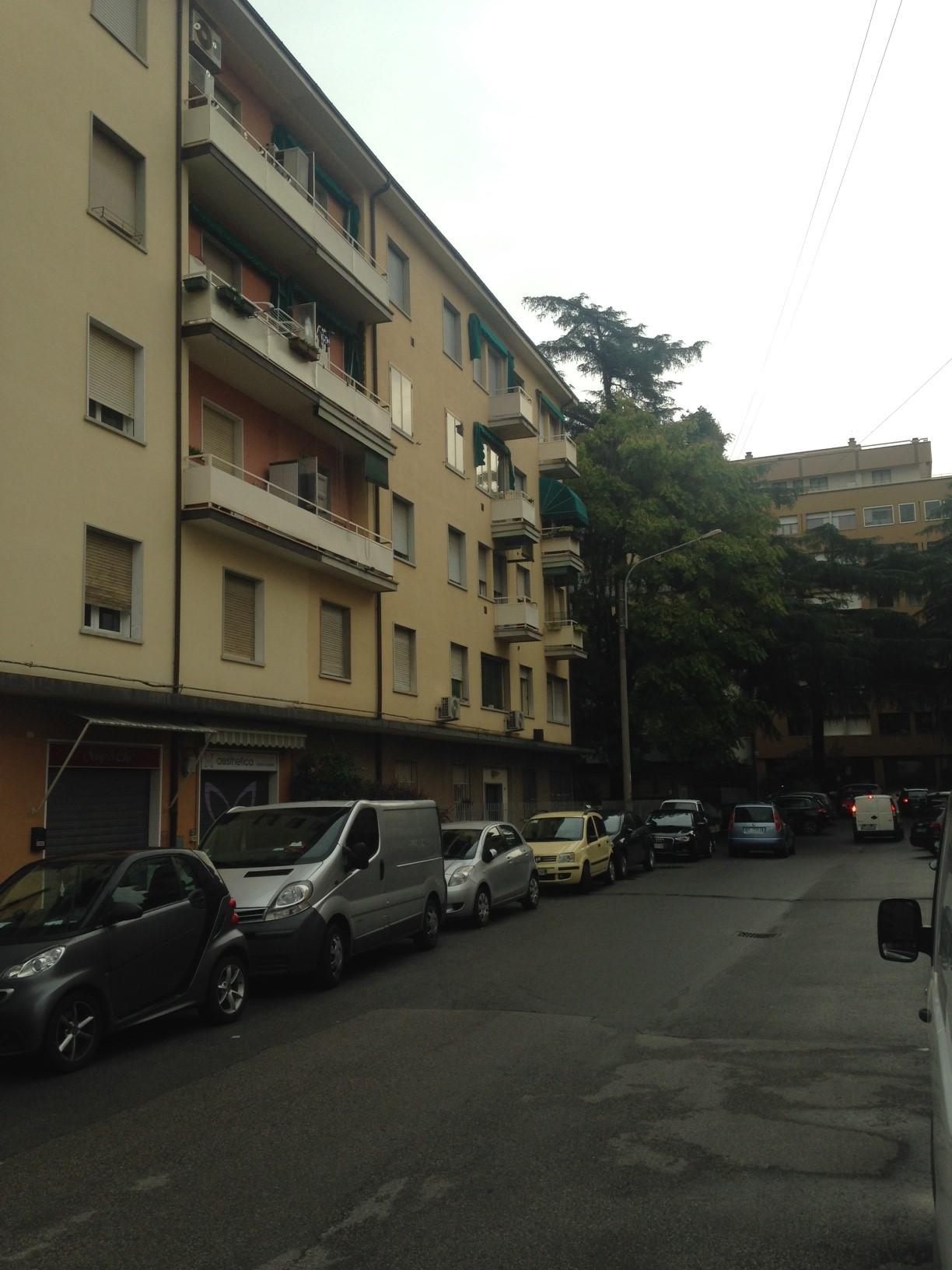 Bilocale Bologna Via Pompeo Vizzani 9
