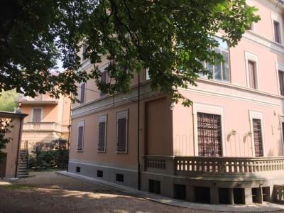 Villa Trifamiliare in Vendita a Bologna