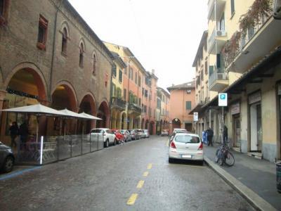 Negozio in Affitto a Bologna