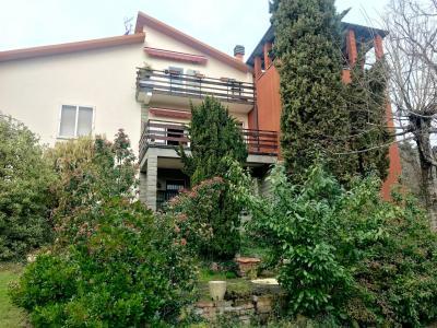 Appartamento in Villa in Vendita a Casalecchio di Reno