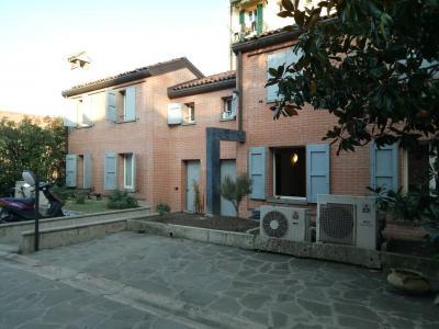 Villa a Schiera in Vendita a Bologna