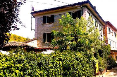 Casale-Rustico in Vendita a Ozzano dell'Emilia