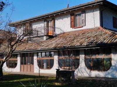 Casa Colonica + Terra in Vendita a Bologna