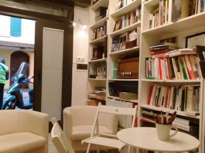Negozio-Ufficio in Vendita a Bologna