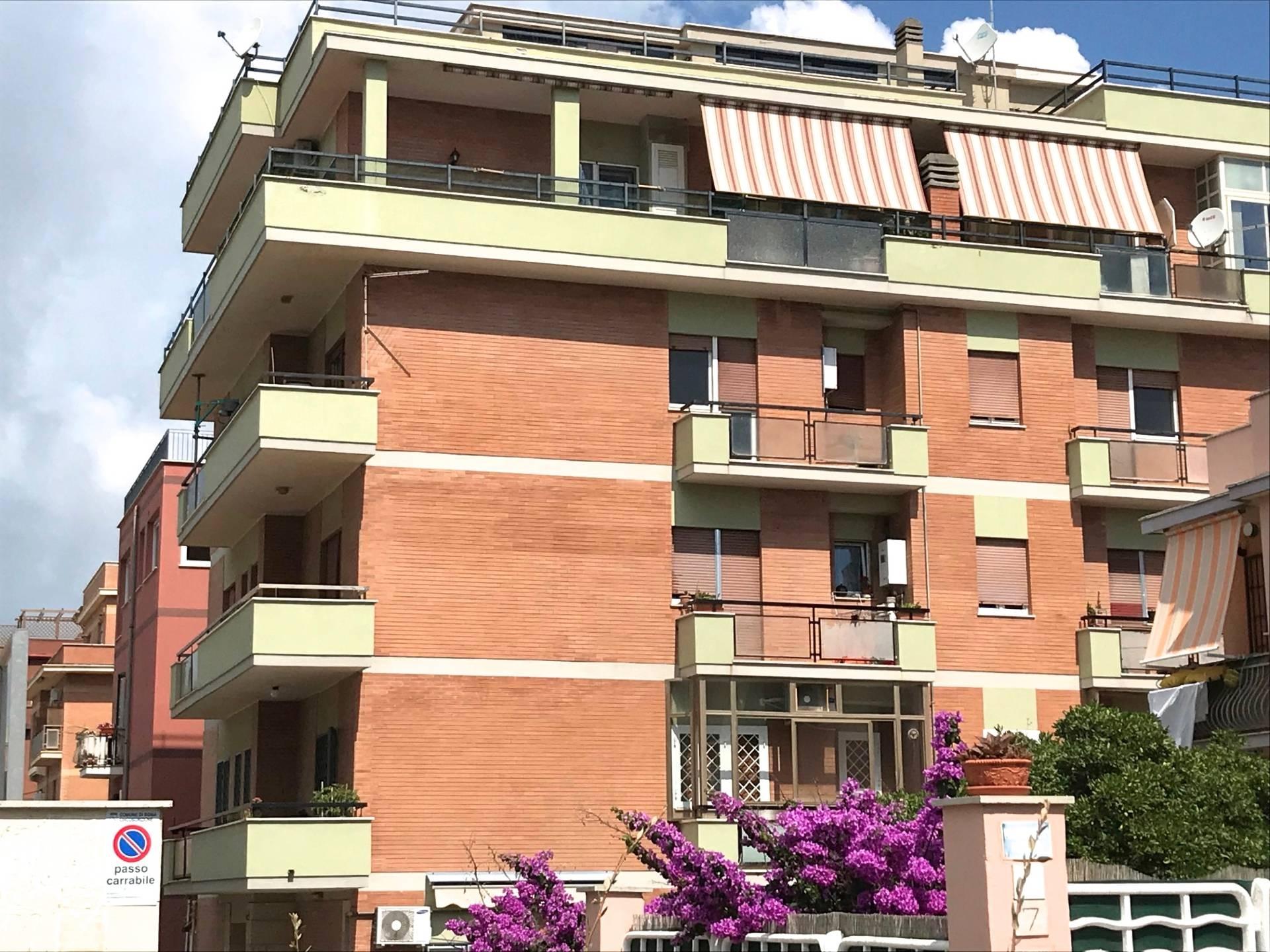 Appartamento in vendita a Roma, 2 locali, zona Zona: 39 . Lido di Ostia, Ostia, Castel Fusano, Torre Paterno, prezzo € 150.000 | CambioCasa.it