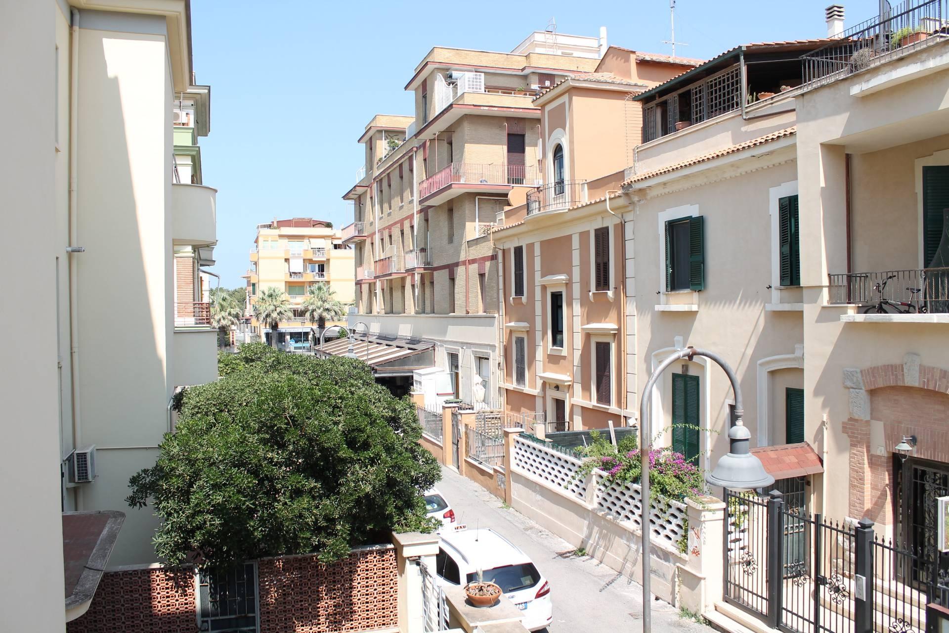 Appartamento in vendita a Roma, 2 locali, zona Zona: 39 . Lido di Ostia, Ostia, Castel Fusano, Torre Paterno, prezzo € 229.000 | CambioCasa.it