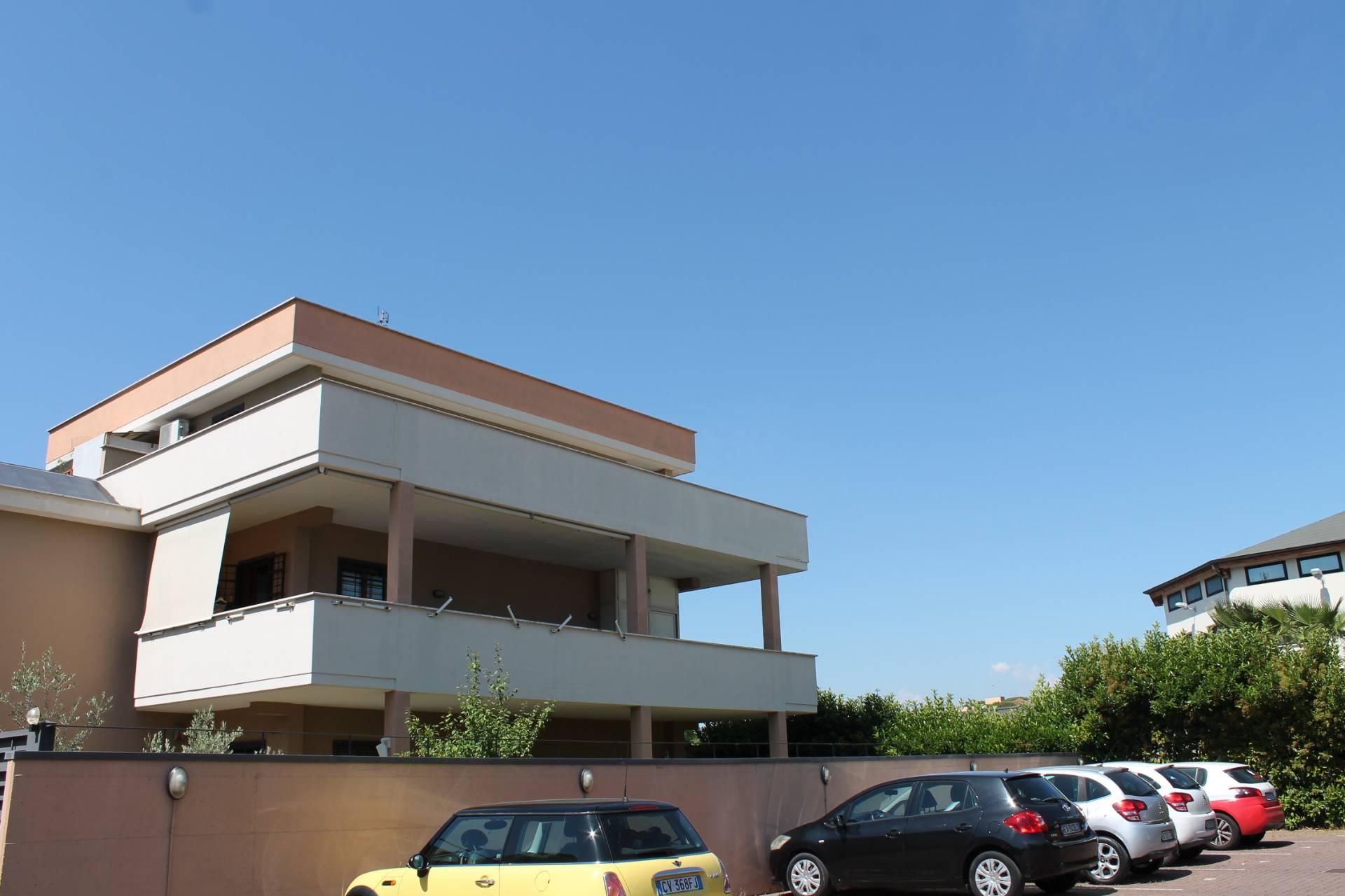Appartamento in vendita a Roma, 4 locali, zona Zona: 38 . Acilia, Vitinia, Infernetto, Axa, Casal Palocco, Madonnetta, prezzo € 310.000   CambioCasa.it