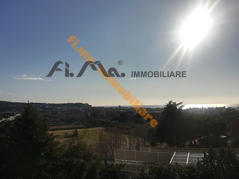 Soluzione Indipendente in vendita a Albissola Marina, 8 locali, prezzo € 445.000   CambioCasa.it