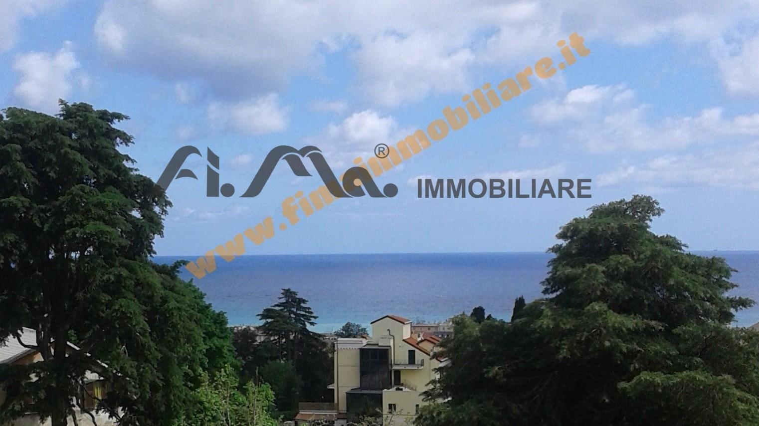 vendita appartamento albissola marina   248000 euro  4 locali  90 mq