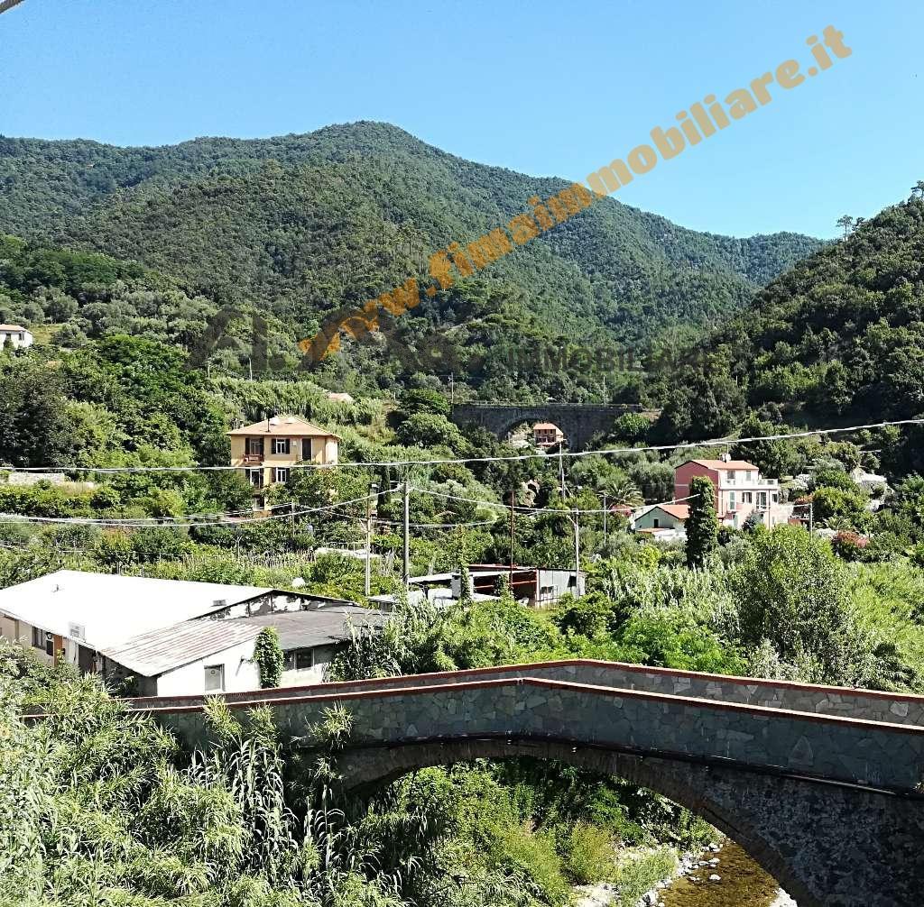 Appartamento in vendita a Savona, 4 locali, zona Località: S.uario, prezzo € 100.000   PortaleAgenzieImmobiliari.it