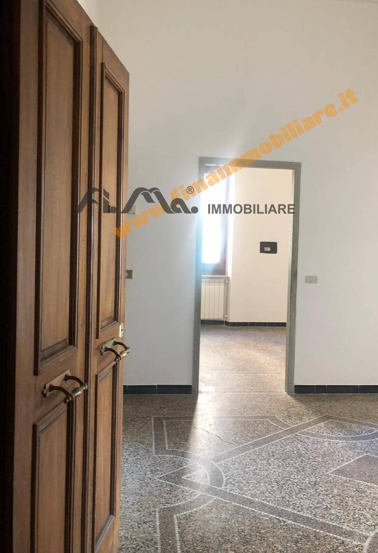 Appartamento in vendita a Savona, 4 locali, zona Località: Stazione, prezzo € 130.000 | PortaleAgenzieImmobiliari.it