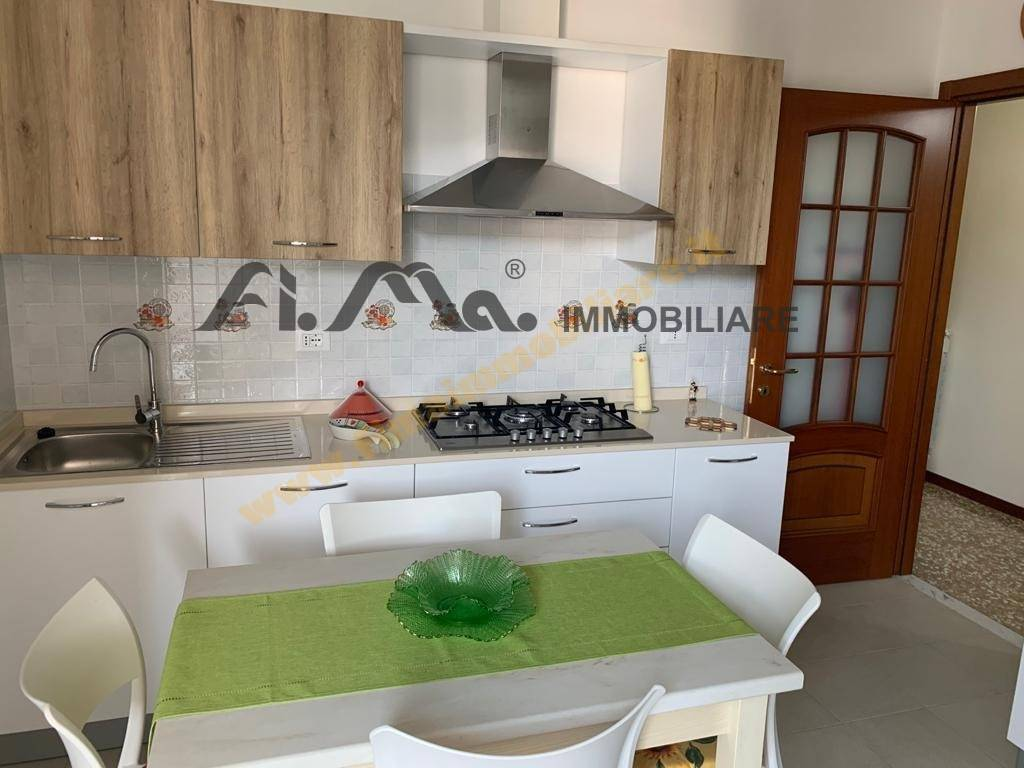 Appartamento in vendita a Albissola Marina, 3 locali, prezzo € 265.000   CambioCasa.it