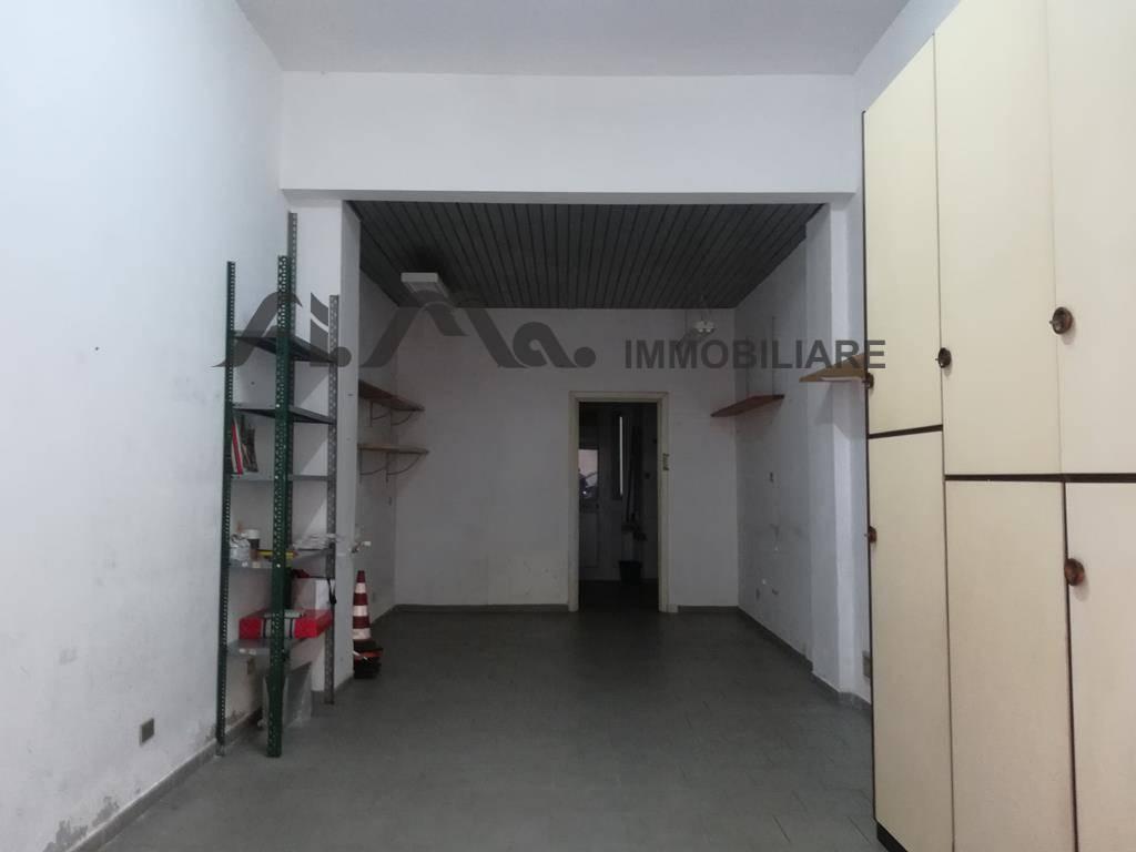 Negozio / Locale in affitto a Savona, 9999 locali, zona apiana, prezzo € 300 | PortaleAgenzieImmobiliari.it