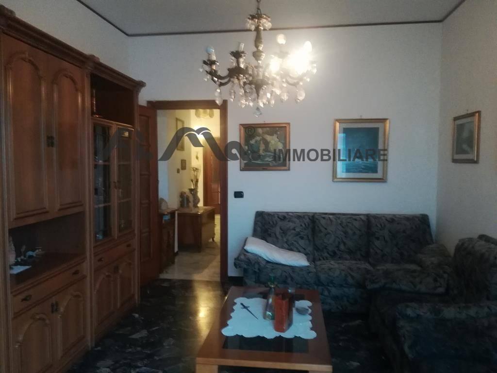 Appartamento in affitto a Savona, 4 locali, prezzo € 600 | PortaleAgenzieImmobiliari.it