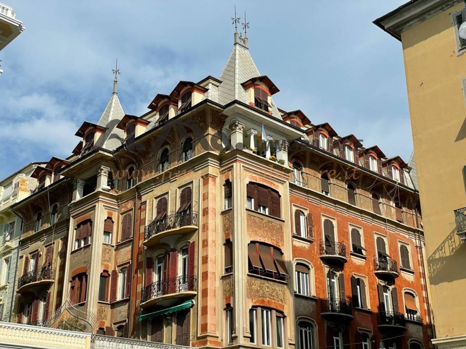 Appartamento in vendita a Savona, 9 locali, prezzo € 399.000   PortaleAgenzieImmobiliari.it