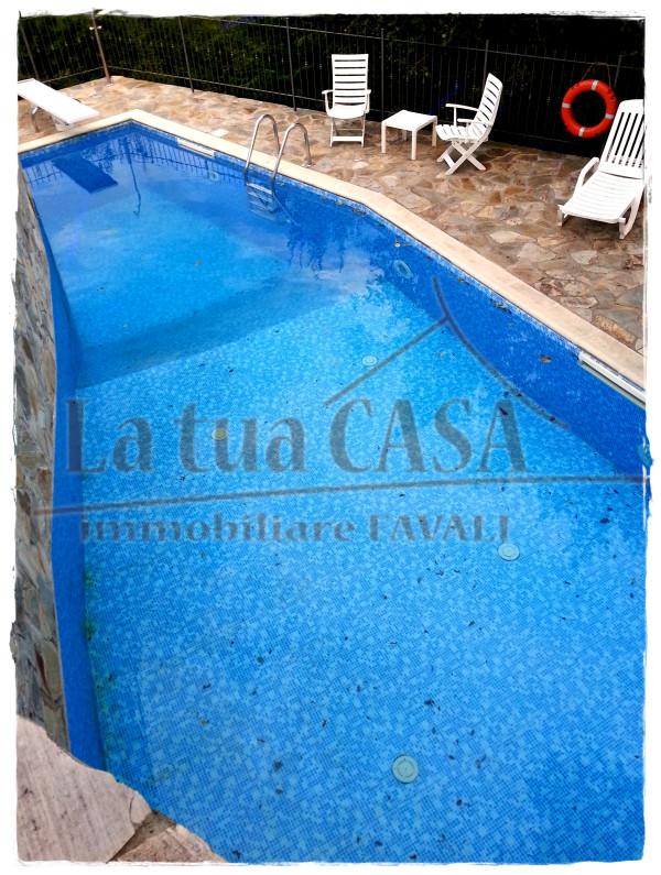Villa in vendita a Toirano, 5 locali, prezzo € 590.000 | CambioCasa.it