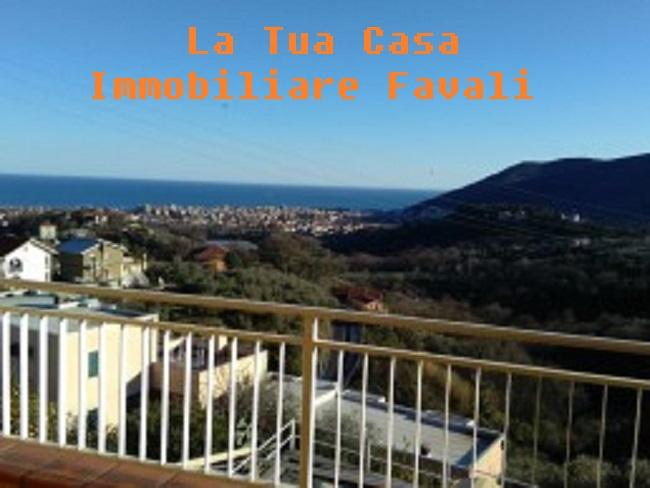 Villa in vendita a Toirano, 7 locali, prezzo € 390.000 | CambioCasa.it
