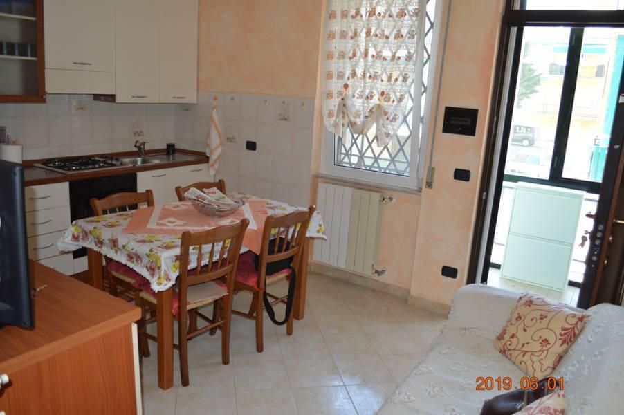 Appartamento in vendita a Loano, 3 locali, zona Località: Poeti, prezzo € 198.000 | CambioCasa.it