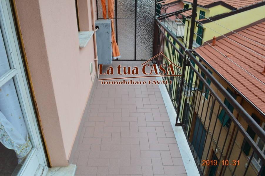 Appartamento in vendita a Loano, 3 locali, zona Località: Poetibassi, prezzo € 260.000 | CambioCasa.it