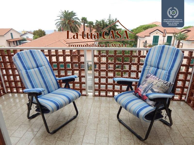 Appartamento in vendita a Ceriale, 3 locali, prezzo € 139.000 | CambioCasa.it