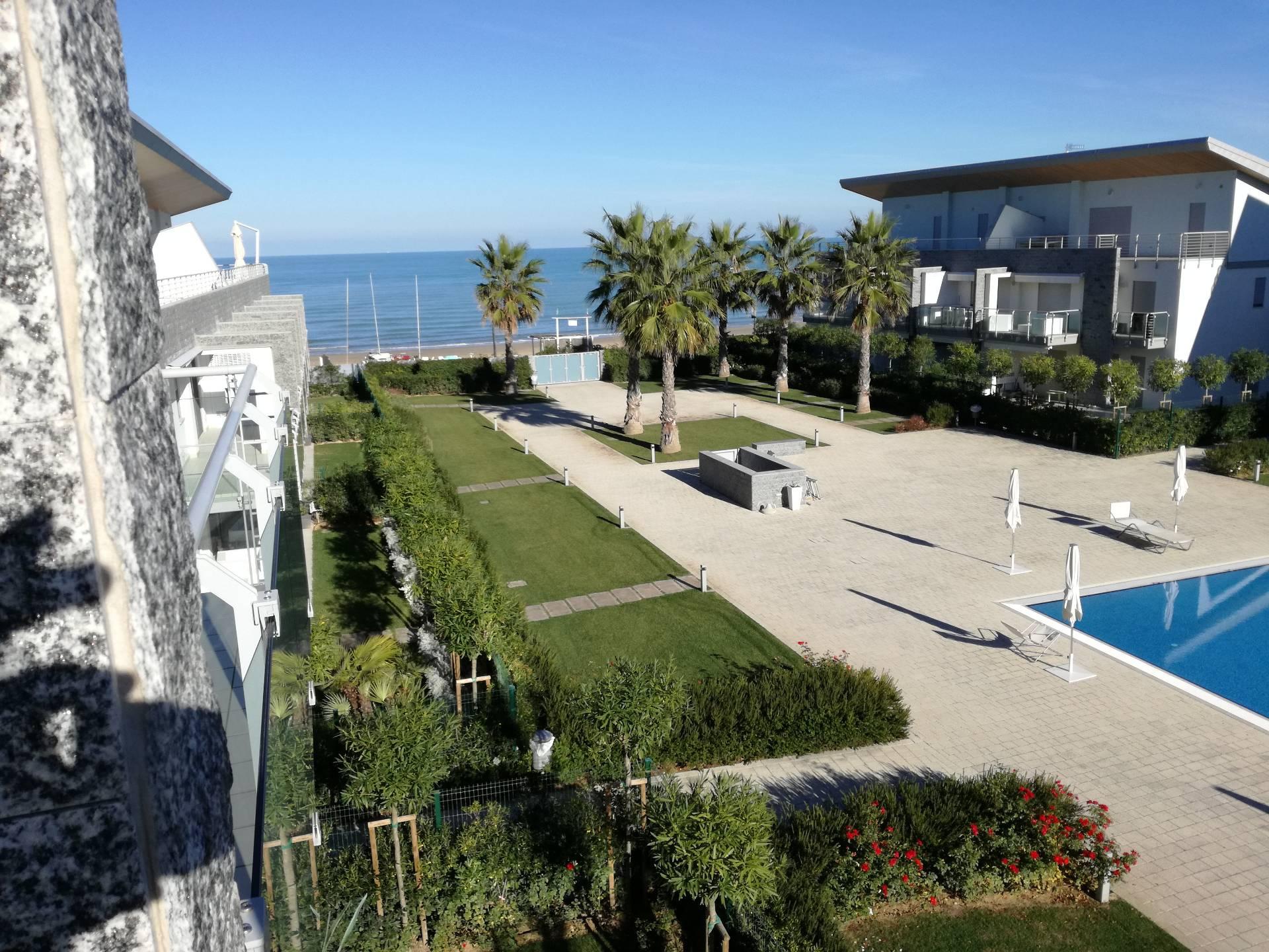 Appartamento in vendita a Silvi, 3 locali, zona Località: SilviMarina, prezzo € 230.000 | Cambio Casa.it