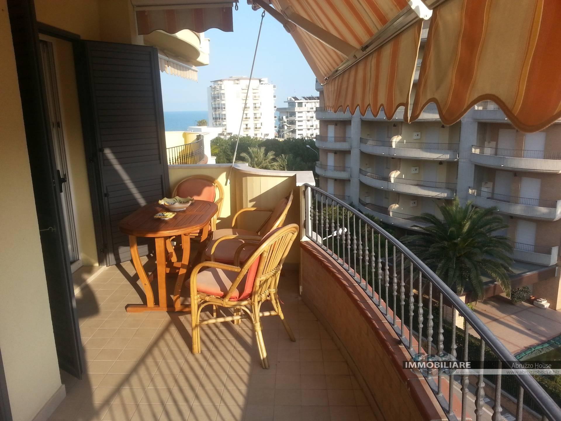 Appartamento in affitto a Alba Adriatica, 4 locali, zona Località: ZonaMare, prezzo € 400   CambioCasa.it