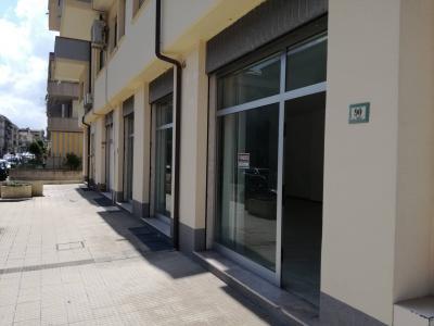 Locale commerciale in Vendita a Alba Adriatica