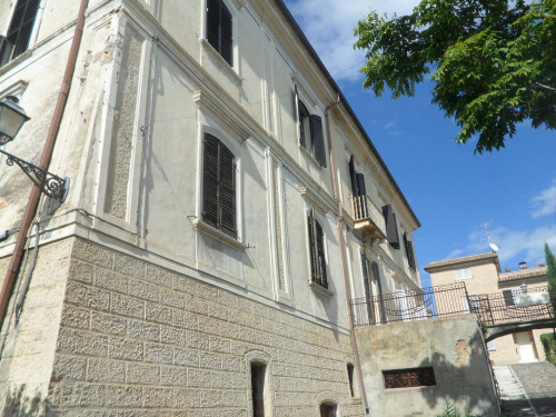 Palazzo storico in Vendita a Sant'Omero