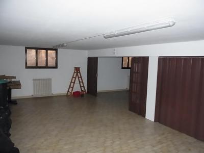 Casa commerciale + laboratorio + appartamento in Vendita a Carbonera