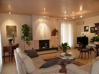 Casa singola residenziale in Vendita a Paese