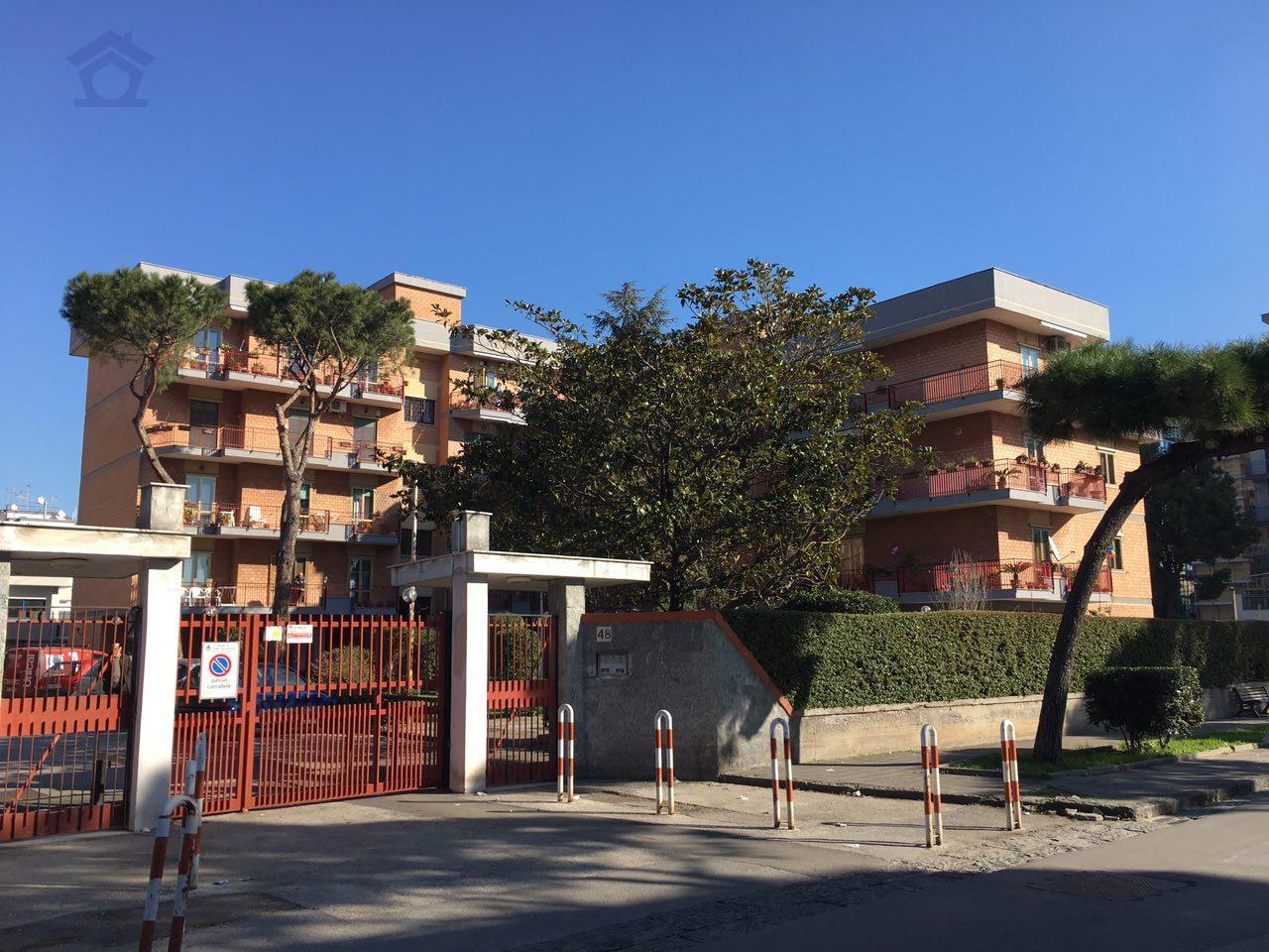 Appartamento in vendita a Torre Annunziata, 4 locali, zona Località: nord, prezzo € 330.000 | Cambio Casa.it